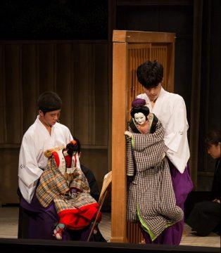 「乙女文楽」を地元へ・ひとみ座と学生たちで創りあげた人形芝居